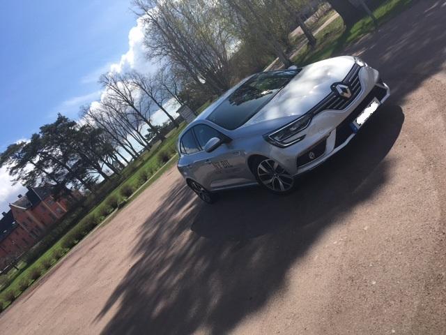 Renault Mégane i strålande sol =)